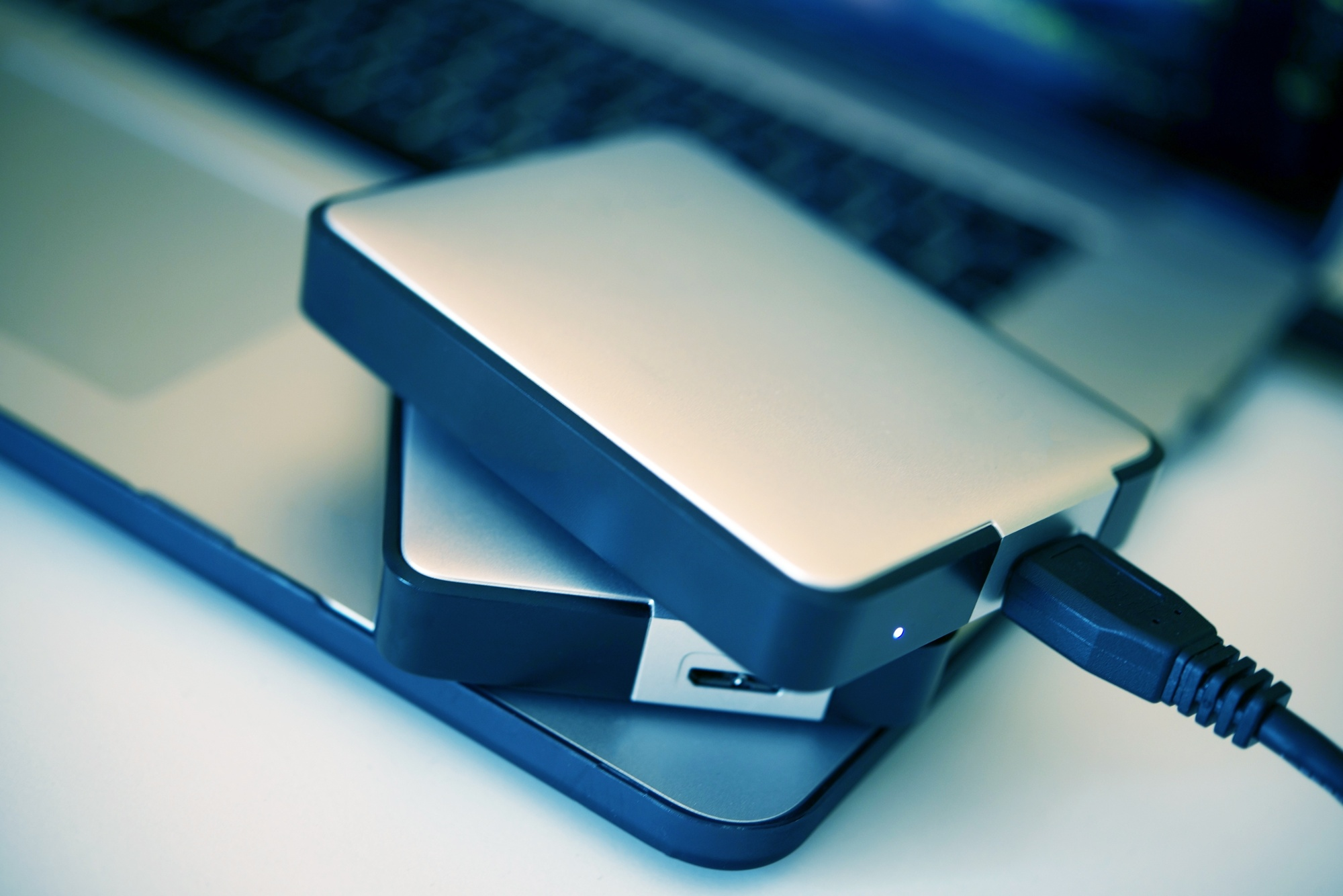 The Differences between an Internal vs. External Hard Drive: What You Need to Know