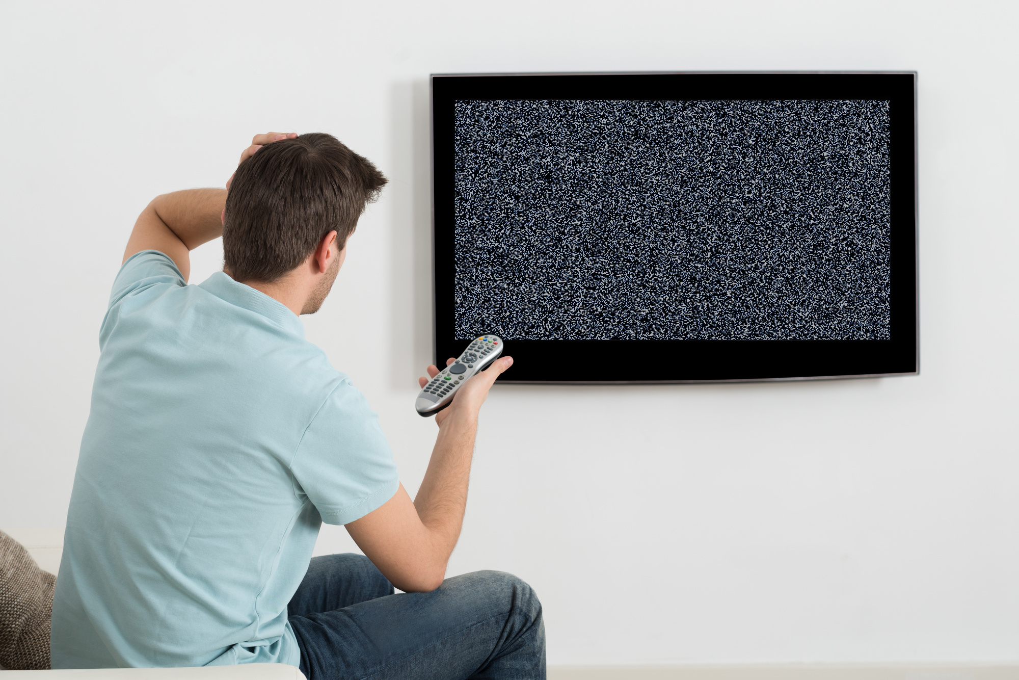 No TV Signal? How to Troubleshoot Your TV Antenna Problems