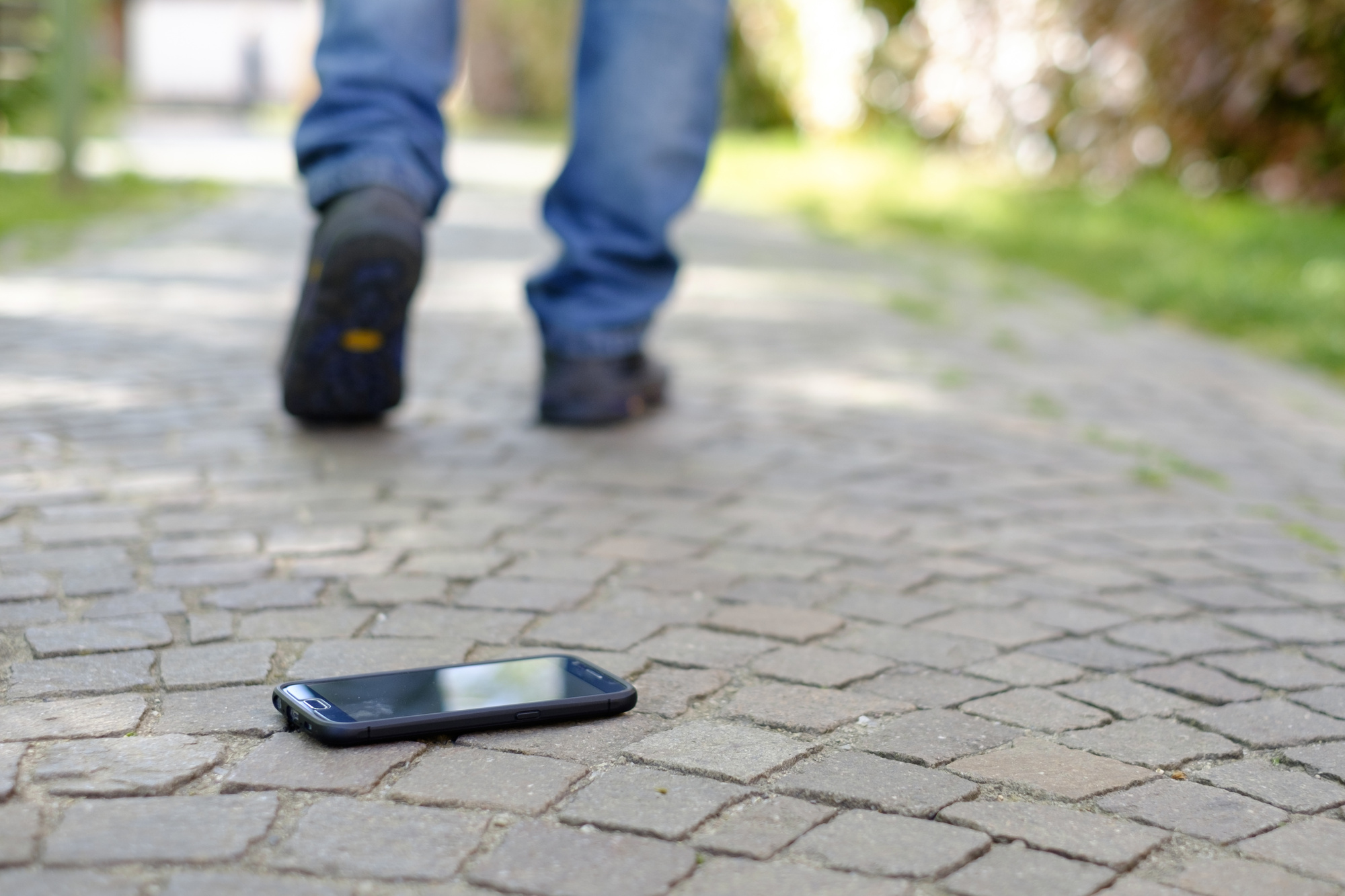 I Want My Phone Back! What to Do When Your Phone Gets Stolen